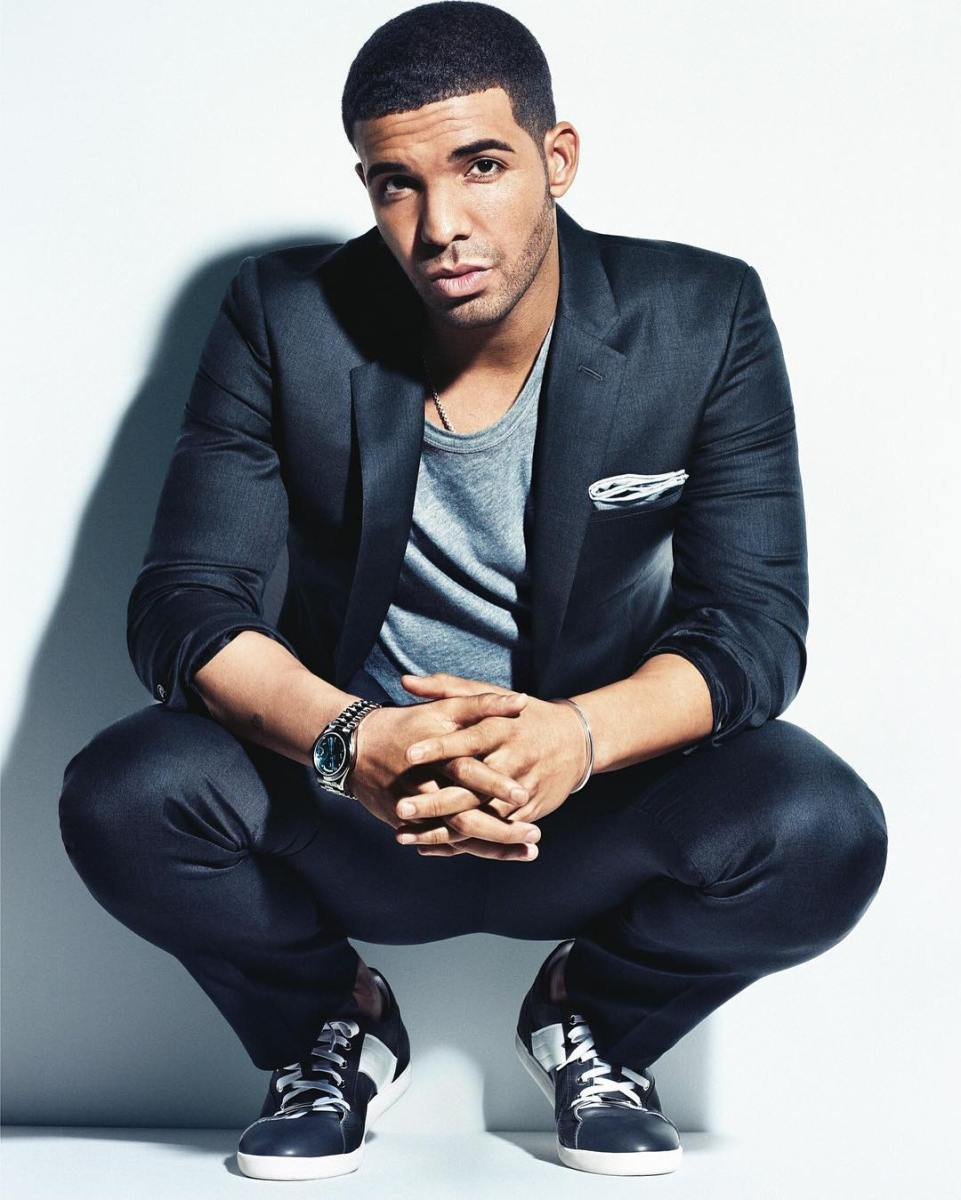 https://www.instagram.com/p/BFi9n-6xr8V/ Drake casual suit