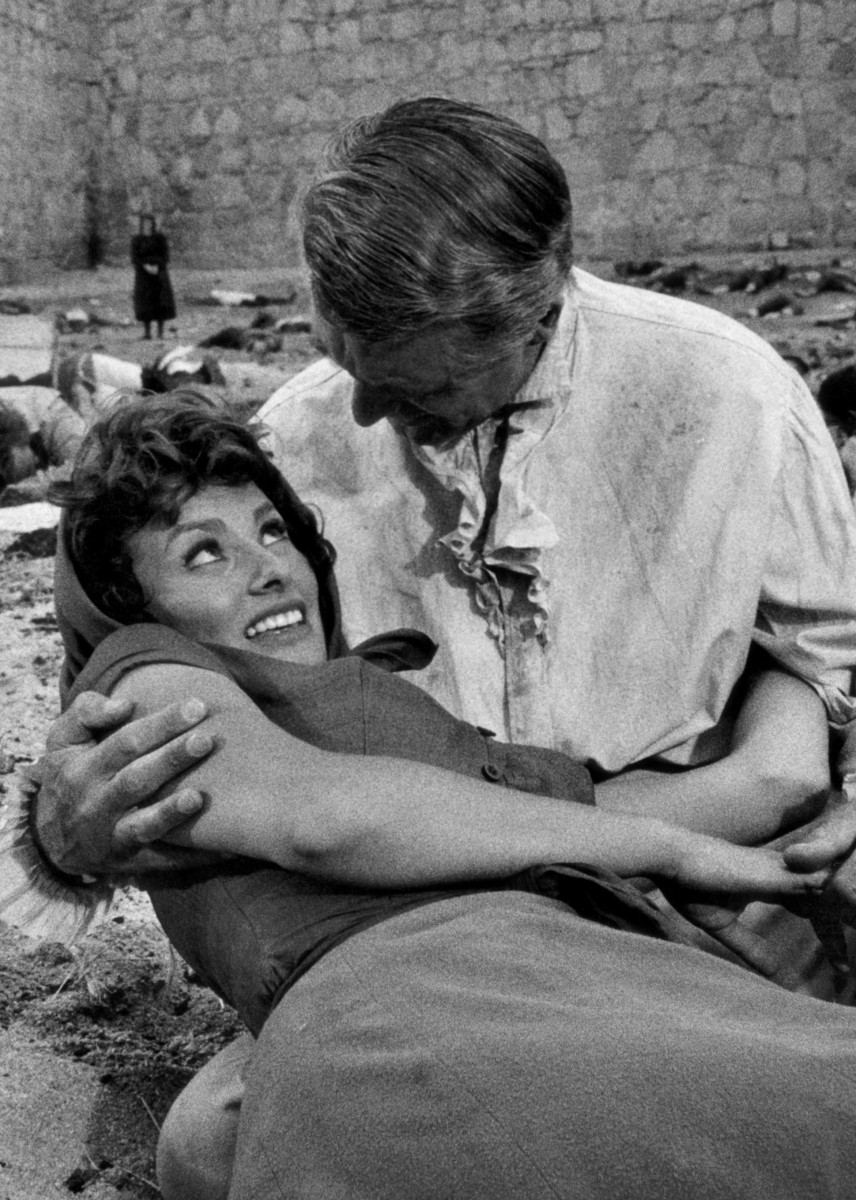 The Pride and the Passion (Stanley Kramer, 1957) [Sophia Loren and Cary Grant]
