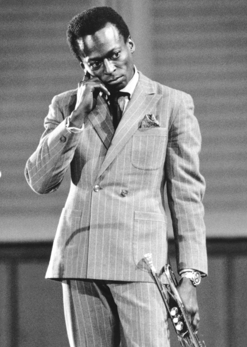 WEST GERMANY - CIRCA 1959:  Jazz trumpeter and composer Miles Davis plays trumpet as he performs onstage in circa 1959 in West Germany. (Photo by Michael Ochs Archives/Getty Images)
