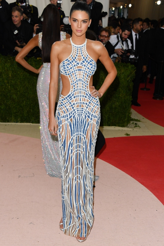 NEW YORK, NY - MAY 02: Kendall Jenner attends the 'Manus x Machina: Fashion in an Age of Technology' Costume Institute Gala at the Metropolitan Museum of Art on May 2, 2016 in New York City. (Photo by George Pimentel/WireImage)