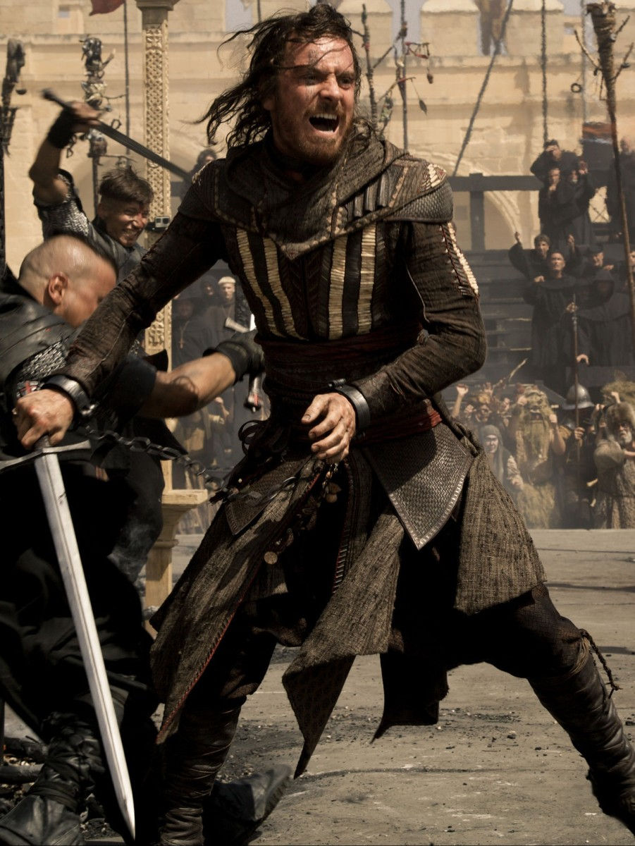 DF-01952_R_CROP – Through a revolutionary technology that unlocks his genetic memories, Callum Lynch (Michael Fassbender) experiences the adventures of his ancestor, Aguilar, in 15th Century Spain. Photo Credit: Kerry Brown.
