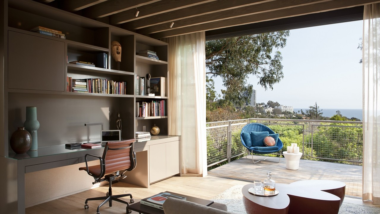 Indoor-Outdoor Spaces Designed for Summer