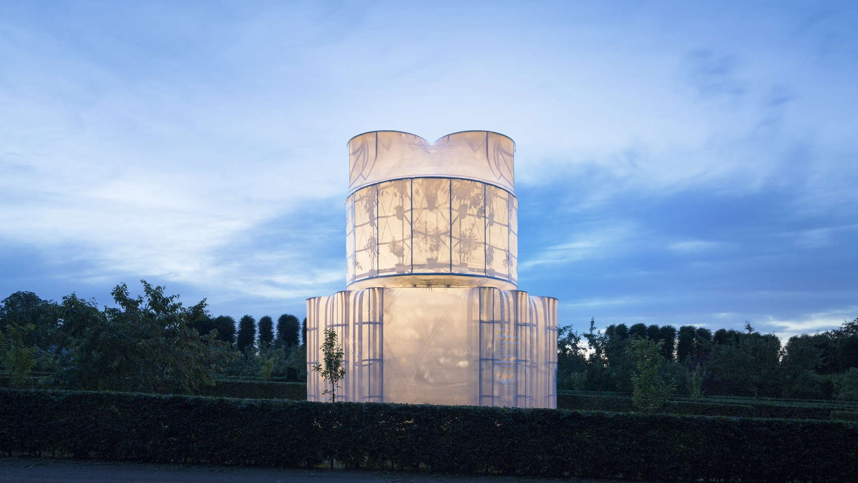 Pushing the Boundary: Translucent Fabric and Tensile Façades