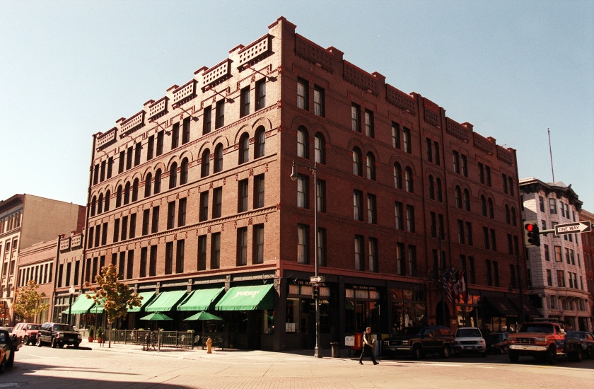 The exterior of the Oxford Hotel at 1600 17th Street in downtown Denver. (Lyn Alweis/The Denver Post via Getty Images)