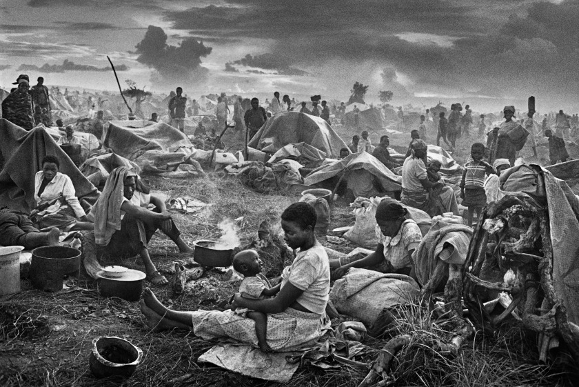 Rwandan refugee camp of Benako in Tanzania during 1994. (Sebastião Salgado/Amazonas Images)