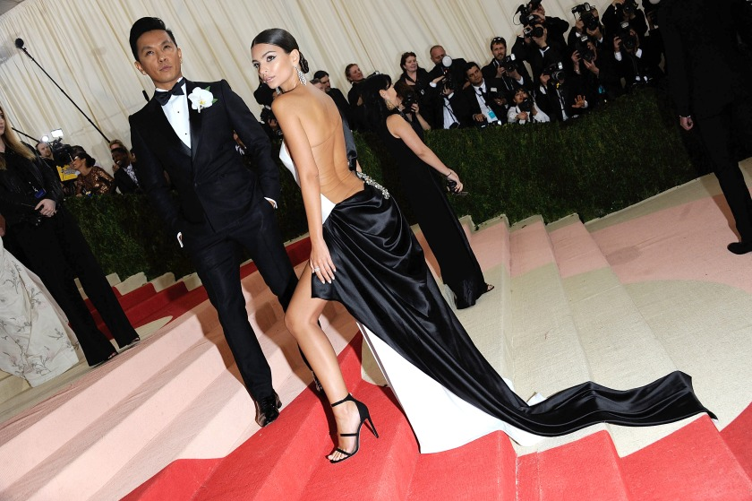 """Emily Ratajkowski attends """"Manus x Machina: Fashion In An Age Of Technology"""" Costume Institute Gala at (Rabbani and Solimene Photography/Getty Images)"""