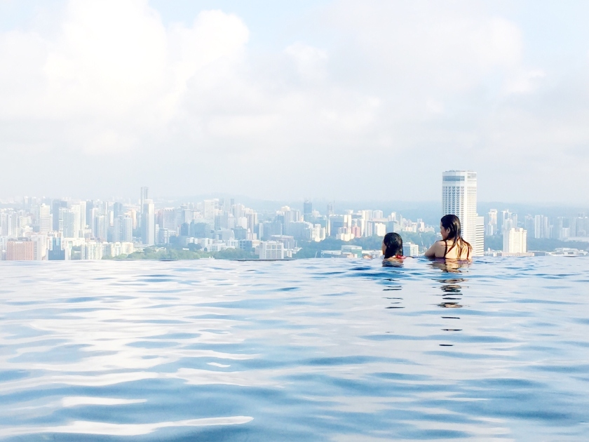 Infinity Pool at Marina Bay Sands Hotel in Singapore (Ariane Soldevilla/ EyeEm/Getty Images)