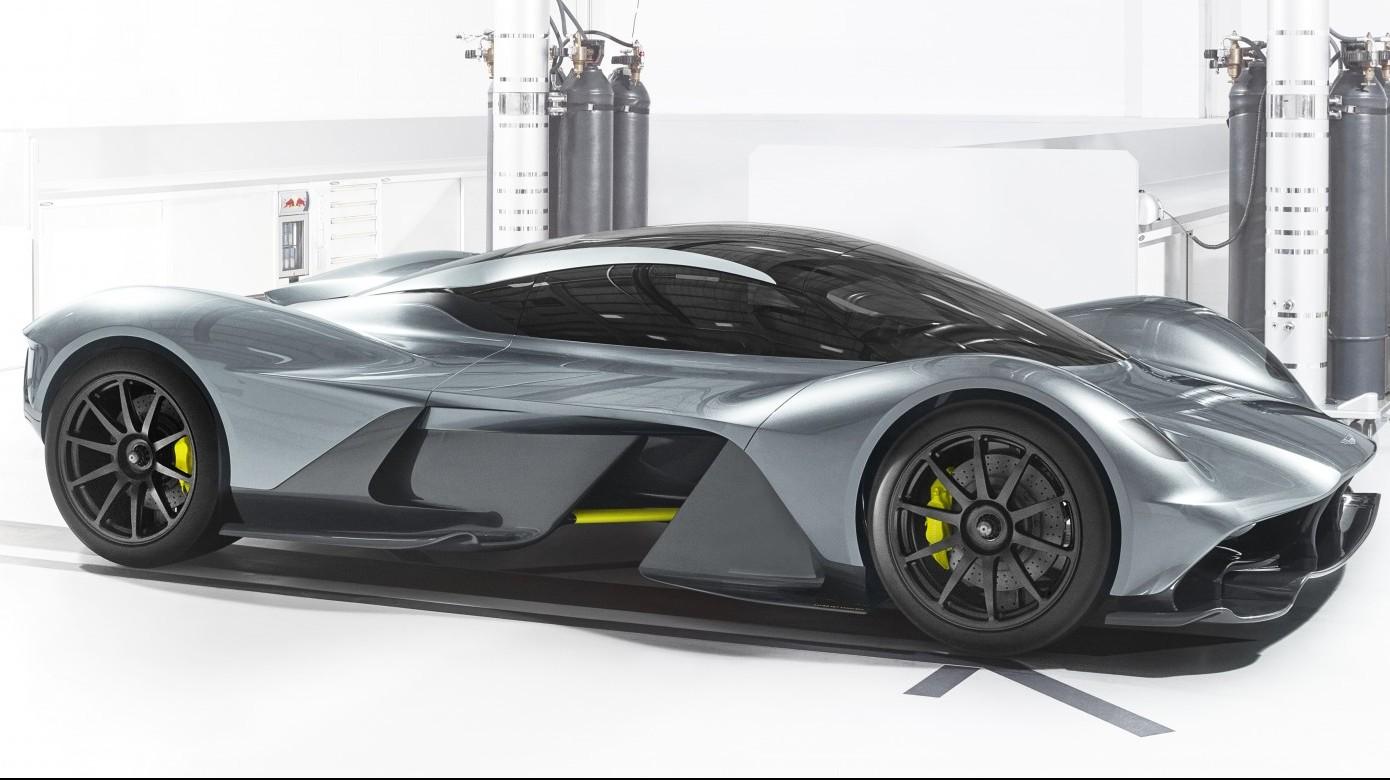 (Aston Martin)