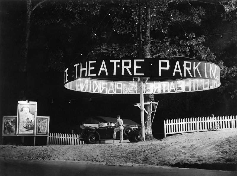(GERMANY OUT) USA, California entrance to a drive-in cinema 1938 BIZ 9/1938 (Photo by ullstein bild/ullstein bild via Getty Images)
