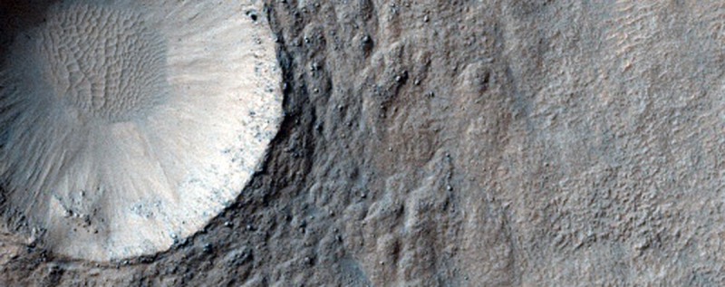 (NASA/JPL/University of Arizona)
