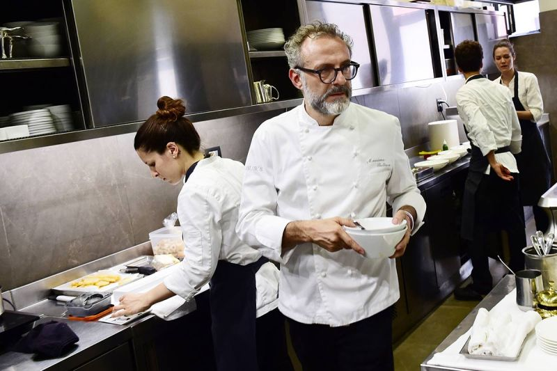 """Italian chef Massimo Bottura working in the kitchen of his restaurant """"Osteria Francescana"""" in Modena. (Giuseppe Cacace/AFP/Getty Images)"""