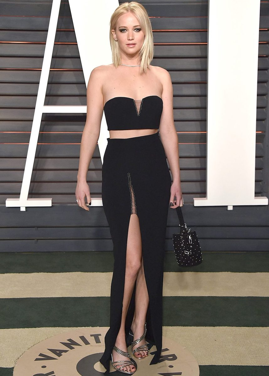 BEVERLY HILLS, CA - FEBRUARY 28:  Actress  Jennifer Lawrence arrives at the 2016 Vanity Fair Oscar Party Hosted By Graydon Carter at Wallis Annenberg Center for the Performing Arts on February 28, 2016 in Beverly Hills, California.  ( John Shearer/Getty Images)