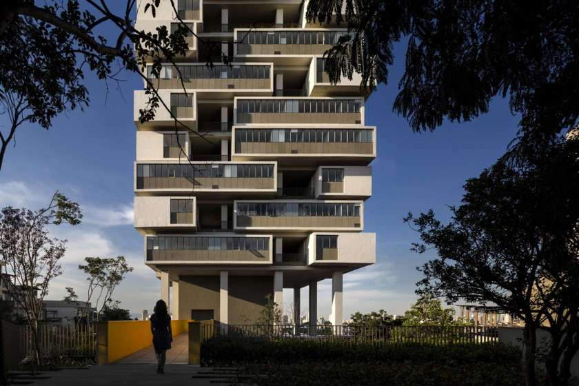 360 Building (Isay Weinfeld)