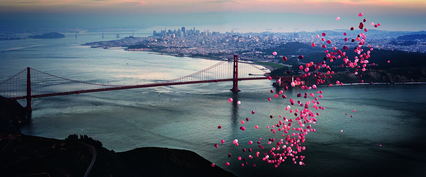 """Balloons over San Francisco"" (David Drebin/teNeues)"