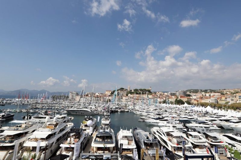 """General view of boats exhibited as part of the """"Yachting Festival"""", a yearly yachting event which gathers 500 exhibitors on September 6, 2016 in Cannes, southeastern France. / AFP / VALERY HACHE (Photo credit should read VALERY HACHE/AFP/Getty Images)"""