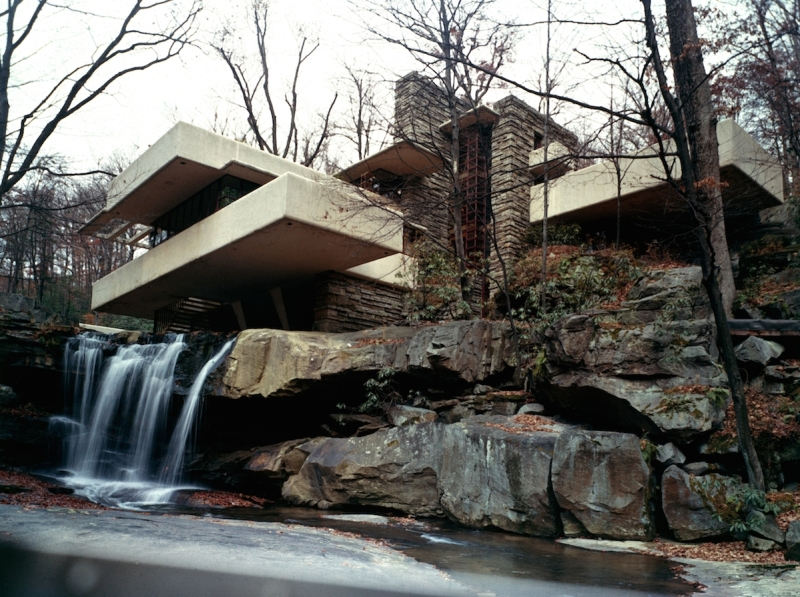 Frank Lloyd Wright's Fallingwater House (also known as the Edgar J. Kaufmann Sr. Residence) in Bear Run, Pennsylvania, 1970s. (Photo by Archive Photos/Getty Images)