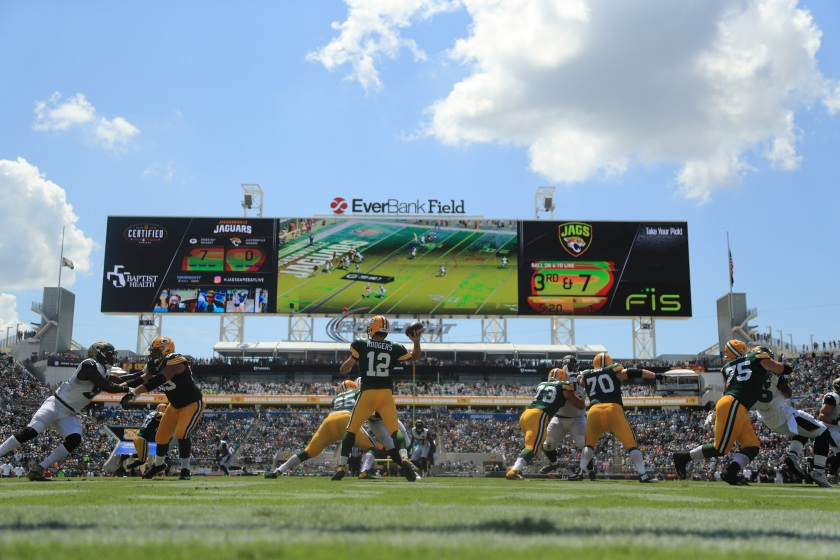 JACKSONVILLE, FL - SEPTEMBER 11: Aaron Rodgers #12 of the Green Bay Packers attempts to pass during the game against the Jacksonville Jaguars at EverBank Field on September 11, 2016 in Jacksonville, Florida. (Photo by Mike Ehrmann/Getty Images)