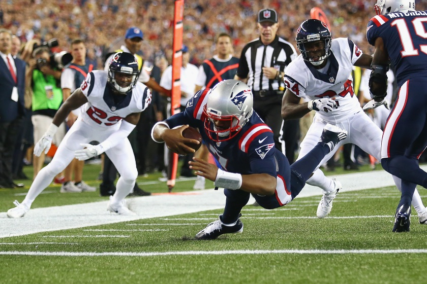 Jacoby Brissett #7 of the New England Patriots dives for a touchdown during the first quarter against the Houston Texans at Gillette Stadium on September 22, 2016 in Foxboro, Massachusetts. (Adam Glanzman/Getty Images)