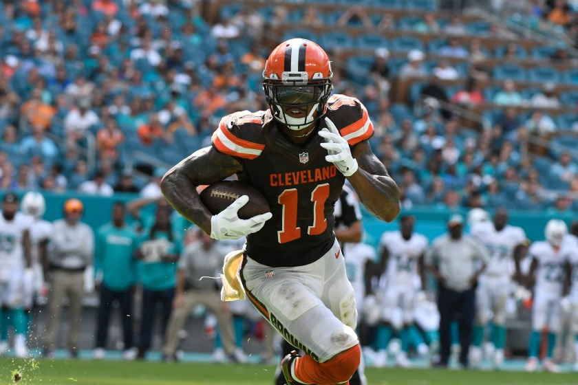Terrelle Pryor #11 of the Cleveland Browns rushes for a touchdown in the 4th quarter against the Miami Dolphins on September 25, 2016 in Miami Gardens, Florida. (Eric Espada/Getty Images)