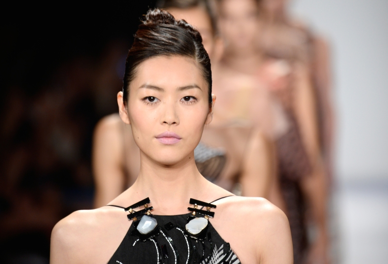 NEW YORK, NY - SEPTEMBER 09: Model Liu Wen walks the runway at the Carolina Herrera fashion show during Mercedes-Benz Fashion Week Spring 2014 at The Theatre at Lincoln Center on September 9, 2013 in New York City. (Photo by Frazer Harrison/Getty Images for Mercedes-Benz Fashion Week Spring 2014)