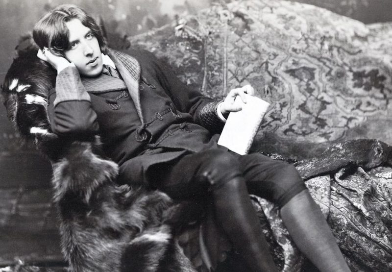 UNSPECIFIED - CIRCA 1800: Oscar Fingal O'Flahertie Wills Wilde 1854 1900 Irish novelist playwright freemason wit Photograph by Napoleon Sarony (Photo by Universal History Archive/Getty Images)