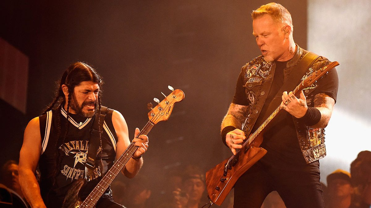 LAS VEGAS, NV - MAY 09:  Musicians Robert Trujillo (L) and James Hetfield of Metallica perform onstage during Rock in Rio USA at the MGM Resorts Festival Grounds on May 9, 2015 in Las Vegas, Nevada.  (Photo by Kevin Mazur/Getty Images)