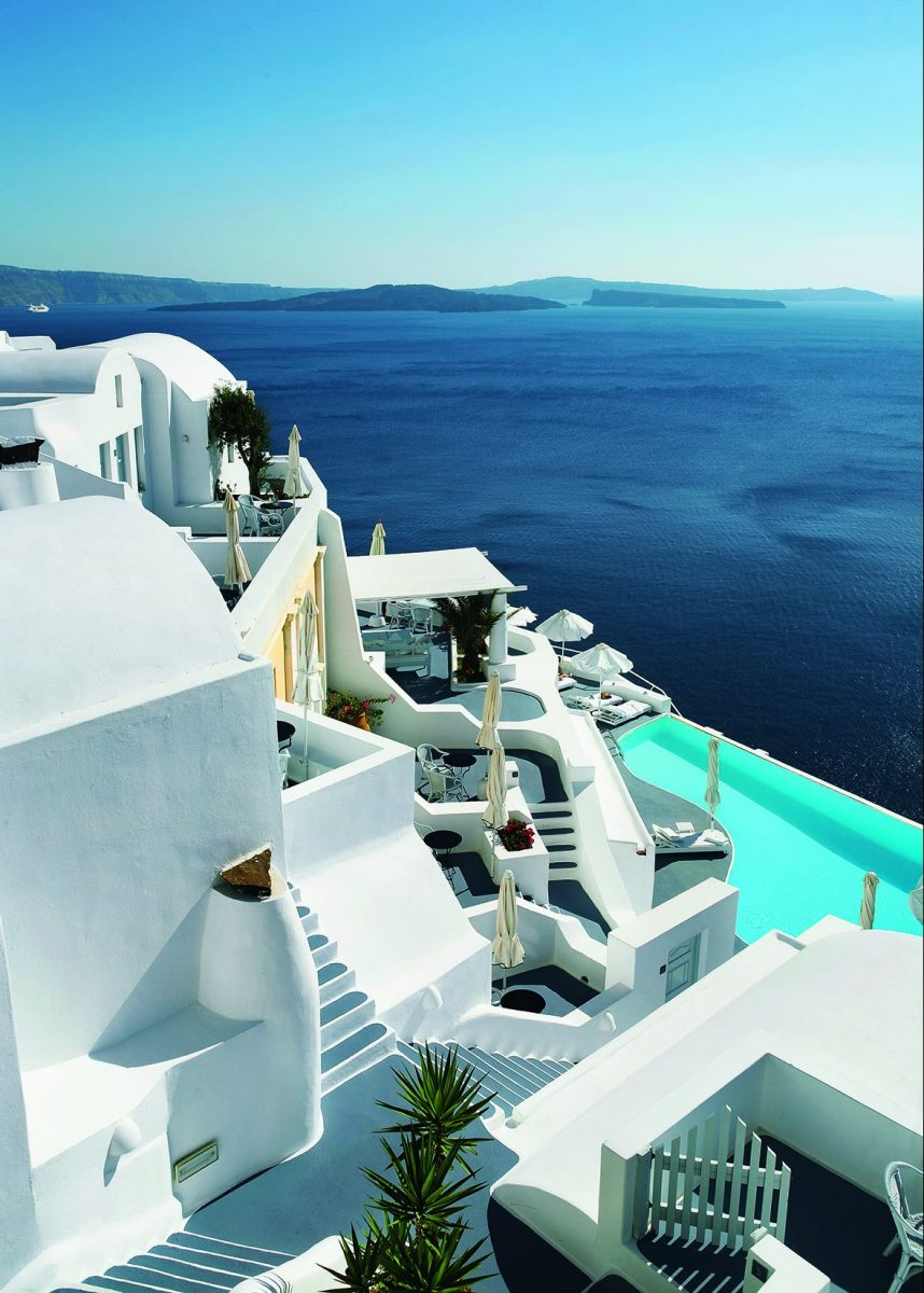 "The Katikies Hotel in Santorini, Greece (<a href=""https://eightyfourrooms.com/"">EightyFourRooms</a>/<a href=""http://www.teneues.com/shop-us/Eighty-Four-Rooms.html"">teNeues</a>)"