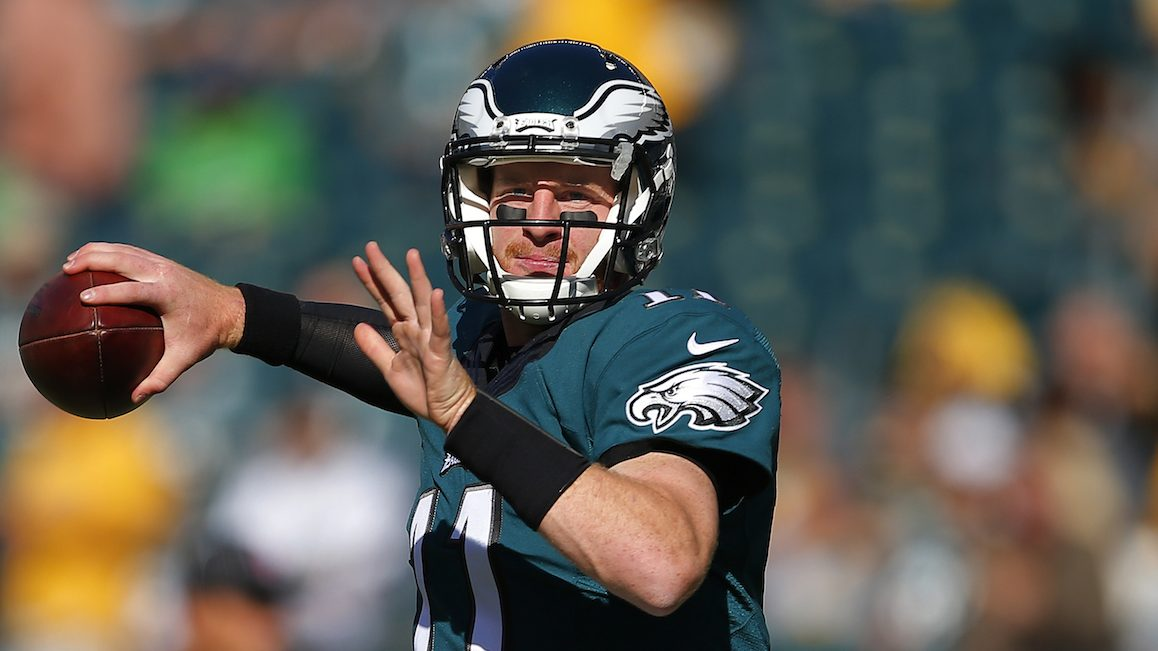 PHILADELPHIA, PA - SEPTEMBER 25: Carson Wentz #11 of the Philadelphia Eagles warms up before a game against the Pittsburgh Steelers at Lincoln Financial Field on September 25, 2016 in Philadelphia, Pennsylvania. (Photo by Rich Schultz/Getty Images)