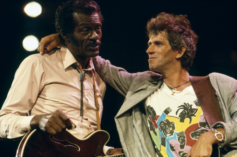 Chuck Berry with Keith Richards of The Rolling Stones at The Fox Threatre St Louis during filming of the documentary Hail Hail rock N Roll. (Photo by Terry O'Neill/Getty Images)