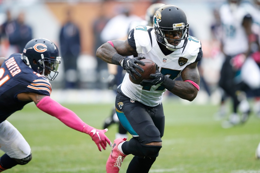 Arrelious Benn #17 of the Jacksonville Jaguars runs for a 51-yard touchdown after a reception against the Chicago Bears in the fourth quarter of the game at Soldier Field on October 16, 2016 in Chicago, Illinois. The Jaguars defeated the Bears 17-16. (Joe Robbins/Getty Images)