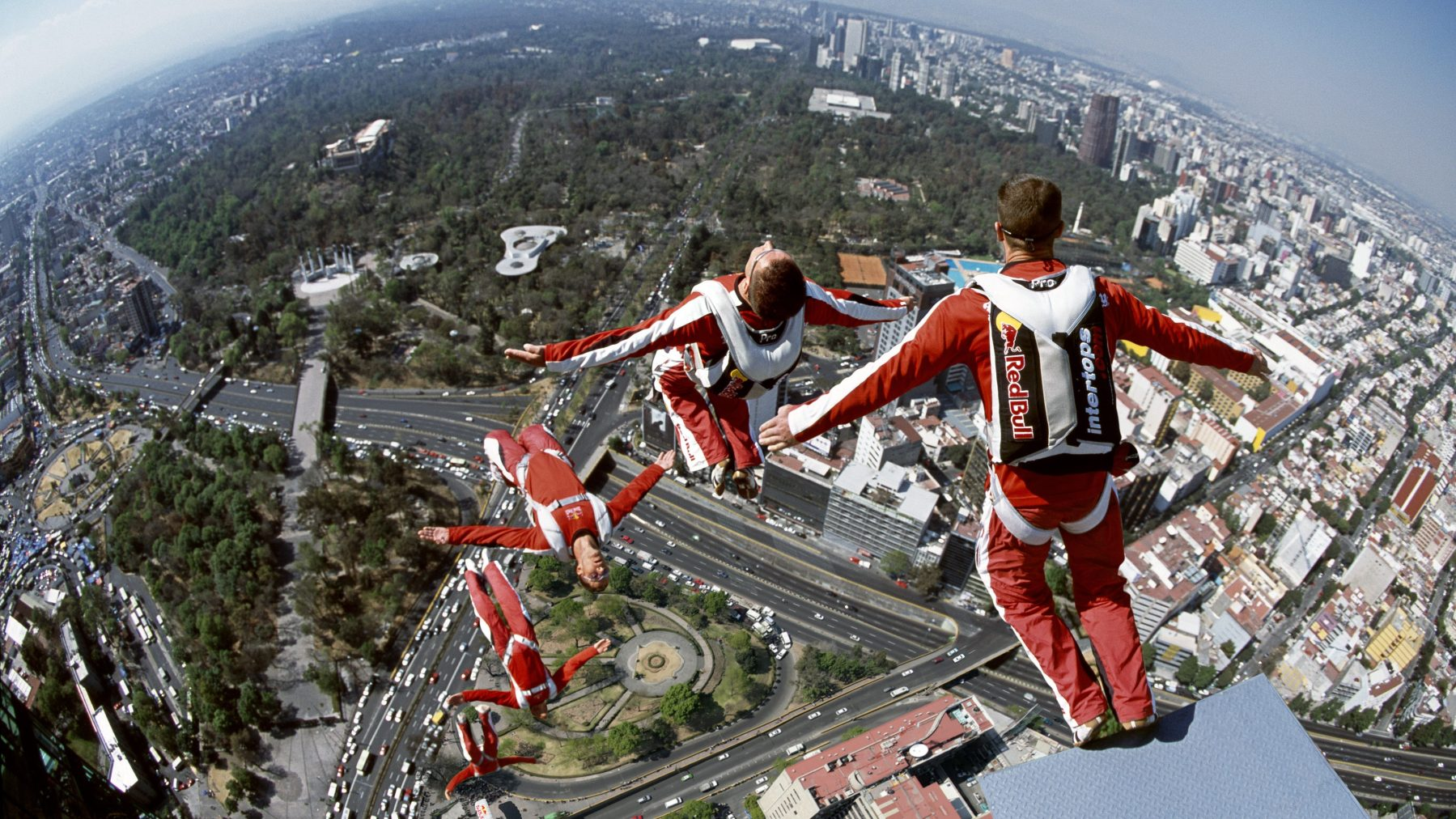 Multiple exposure image of Felix Baumgartner jumping off Torre Mayor in Mexico City in 2006 (Alfredo Martinez/Red Bull Content Pool)