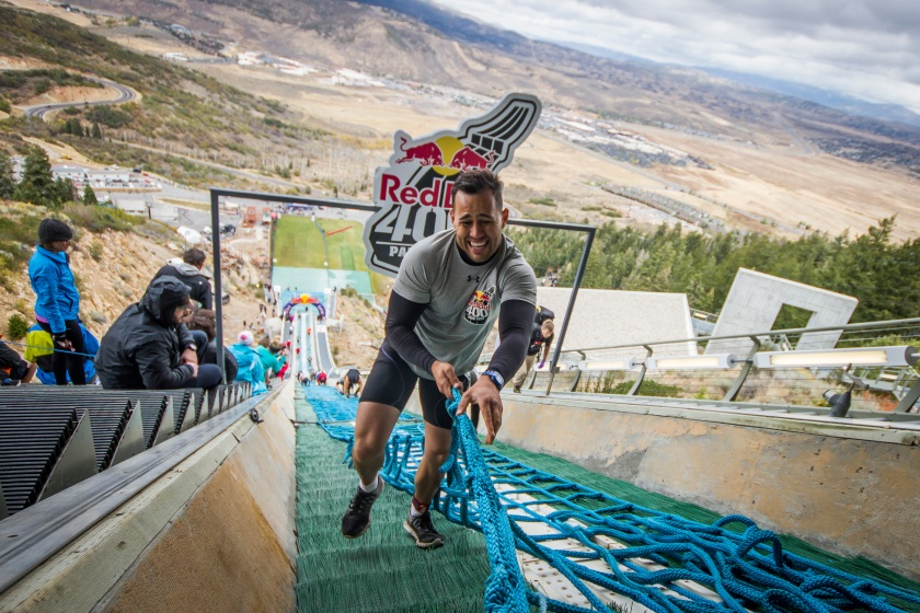 A competitor makes his way up the hill at Red Bull 400, in Park City, UT, USA on 24 September, 2016. (David Martínez Moreno / Red Bull Content Pool)