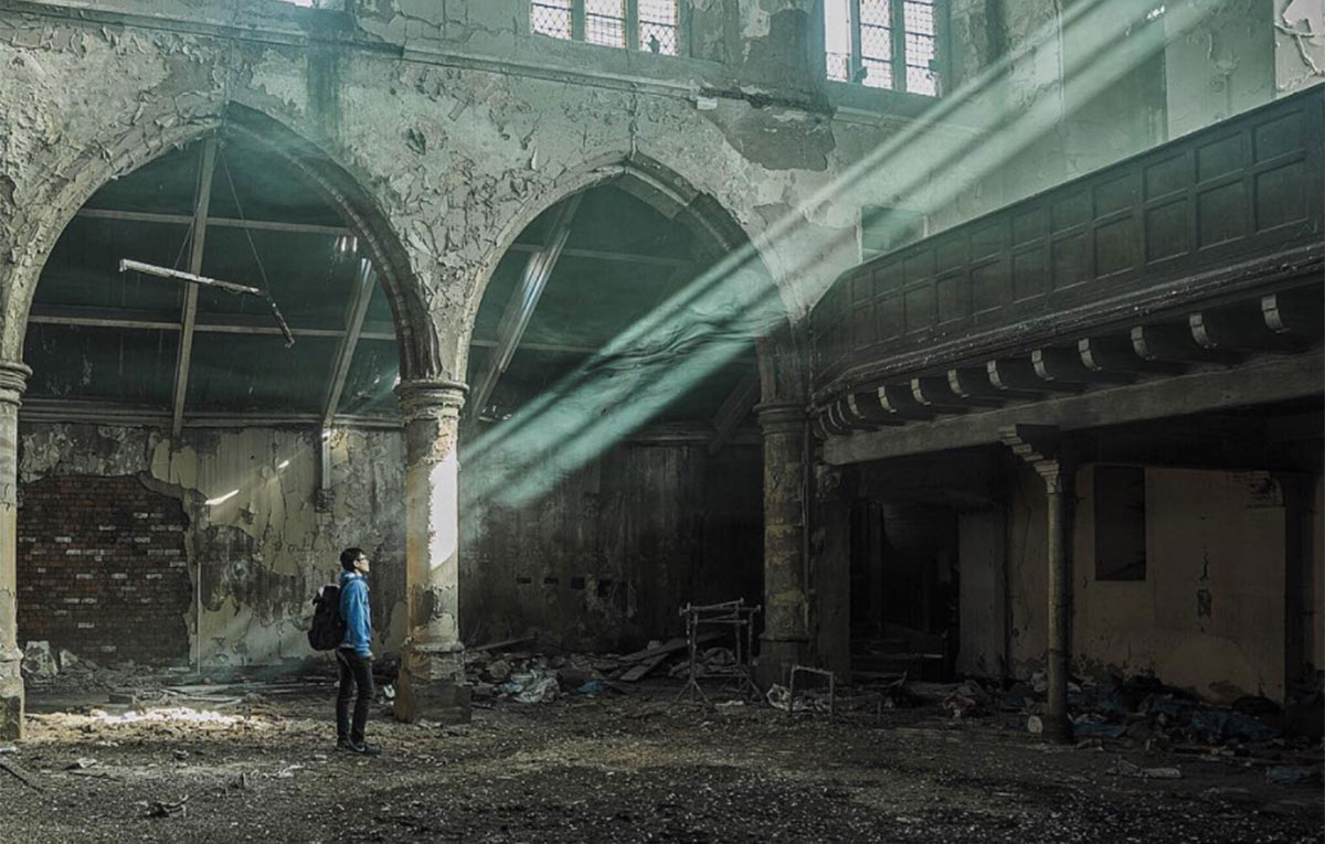 Photographer's 'Abandoned Britain' Project Documents Empty Buildings