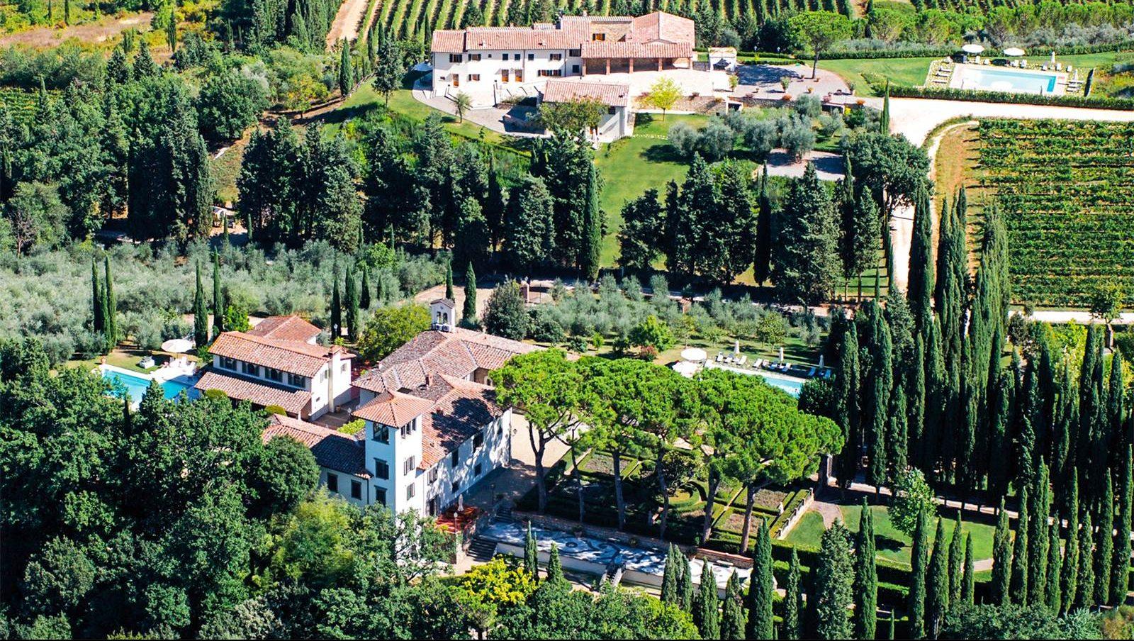 "<a href=""http://www.christiesrealestate.com/eng/sales/detail/170-l-78074-1509251005568011/tuscan-chianti-estate-san-casciano-in-val-di-pesa-fi"" target=""_blank"">(Christie's International Real Estate)</a>"