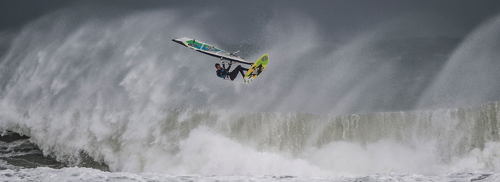 Marcilio Browne of Brasil performs at the Mission 3 of the Red Bull Storm Chase at the Bluff in Cornwall, England on February 8 2014. (Sebastian Marko/Red Bull Content Pool)