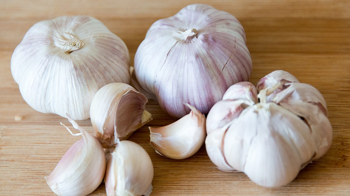 Here Is a New, Potentially Life-Changing Way to Peel Garlic