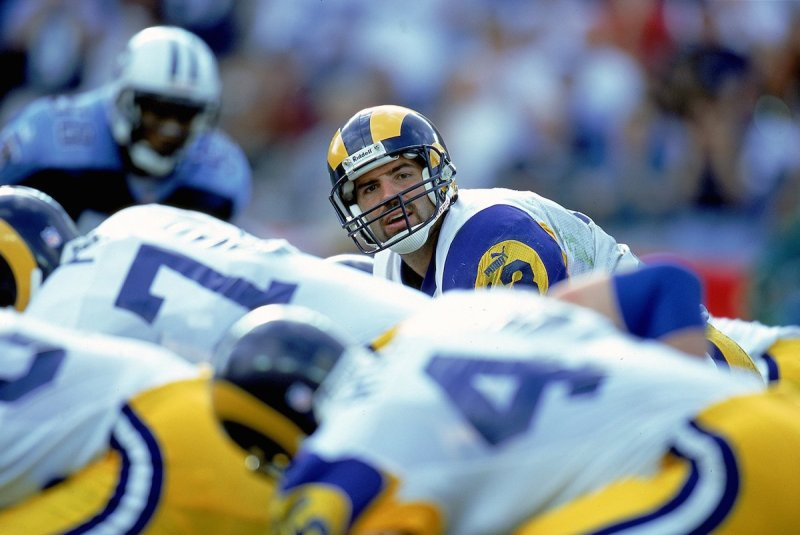 31 Oct 1999: Kurt Warner #13 of the St. Louis Rams looks down the line of scrimmage during the game against the Nasahville Titans at the Adelphia Coliseum in Nashville, Tennessee. The Titans defeated the Rams 24-21. Mandatory Credit: Scott Halleran /Allsport