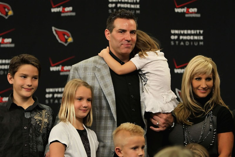 Quarterback Kurt Warner of the Arizona Cardinals announces his retirement from football during a press conference at the team's training center auditorium on January 29, 2010 in Tempe, Arizona.