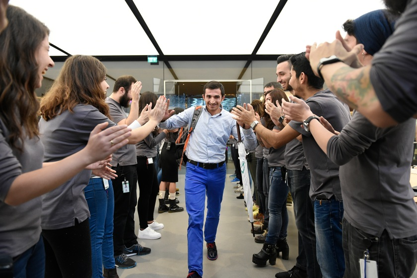 A customer is seen at the Apple Retail Store Zorlu Center for the iPhone 6s and iPhone 6s Plus now available in Turkey on October 23, 2015 in Istanbul, Turkey. (S. Alemdar/Getty Images for Apple)