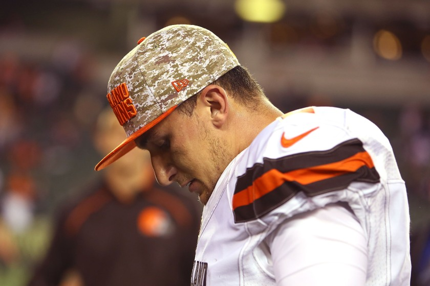 Johnny Manziel #2 of the Cleveland Browns walks off of the field after being defeated by the Cincinnati Bengals 31-10 at Paul Brown Stadium on November 5, 2015 in Cincinnati, Ohio. (Andrew Weber/Getty Images)