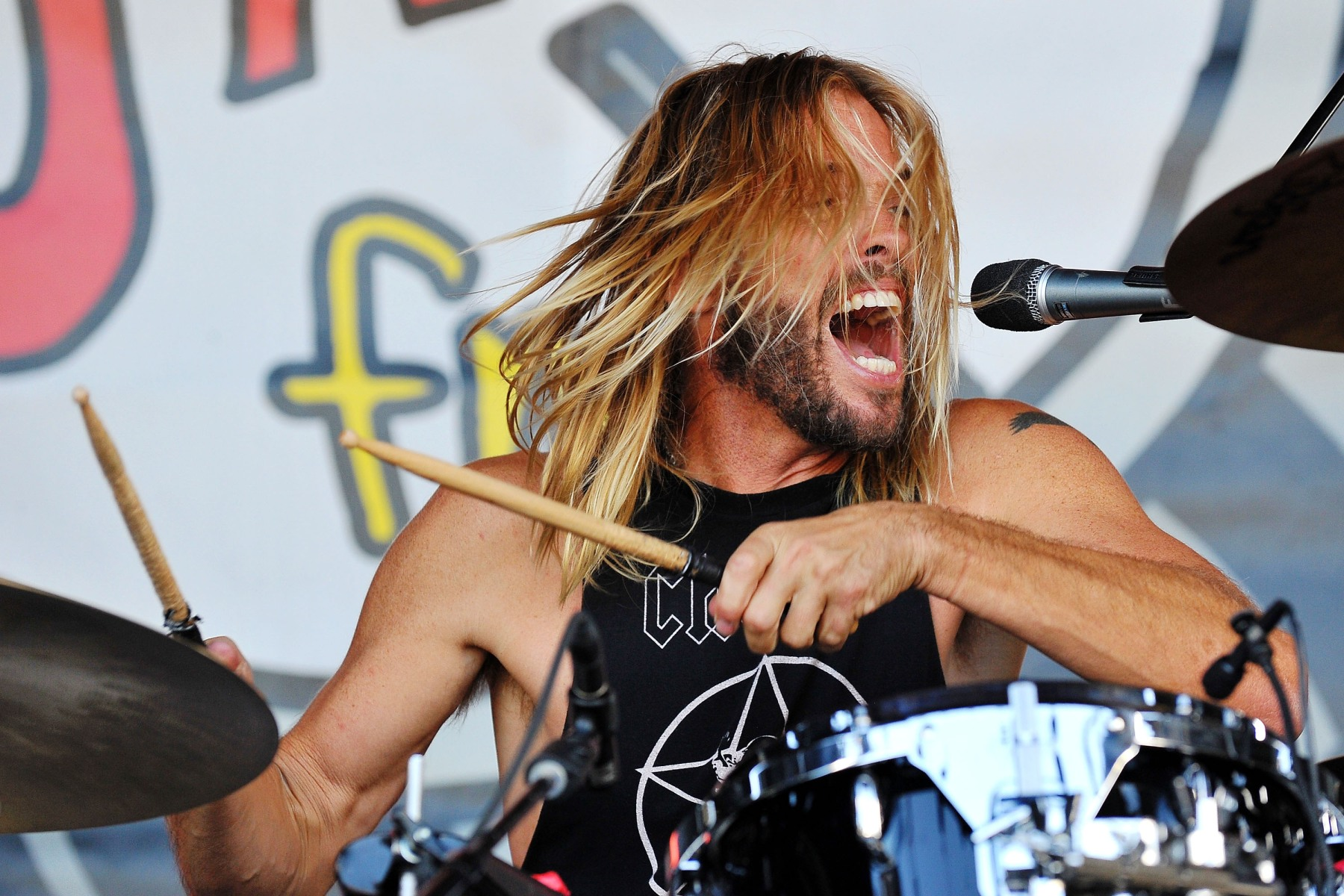 Taylor Hawkins performs with his band 'Chevy Metal' at Jack FM's 11th Show at Irvine Meadows Amphitheatre on September 23, 2016 in Irvine, California. (Jerod Harris/Getty Images)