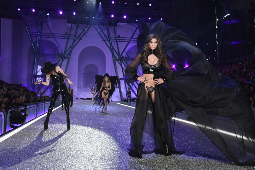 Taylor Hill walks the runway at the Victoria's Secret Fashion Show on November 30, 2016 in Paris, France. (Pascal Le Segretain/Getty Images for Victoria's Secret)