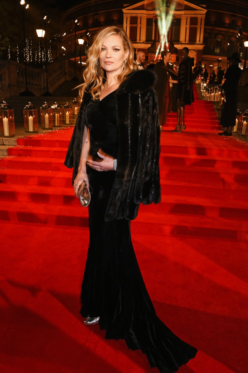 Kate Moss attends The Fashion Awards 2016 at Royal Albert Hall on December 5, 2016 in London, United Kingdom. (Photo by David M. Benett/Dave Benett/Getty Images)