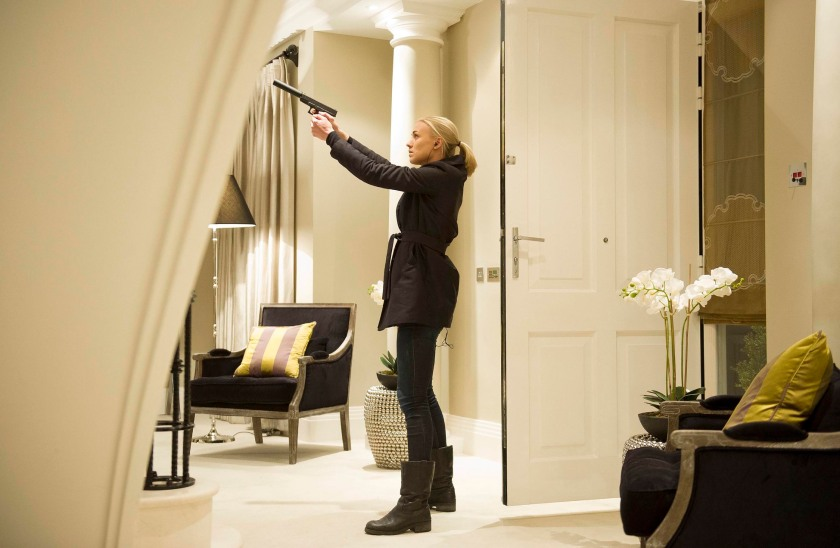 """Kate, played by Yvonne Strahovski, is on a mission to locate their target in the """"9:00 PM - 10:00 PM"""" episode of '24: LIVE ANOTHER DAY.' (Chris Raphael/FOX)"""