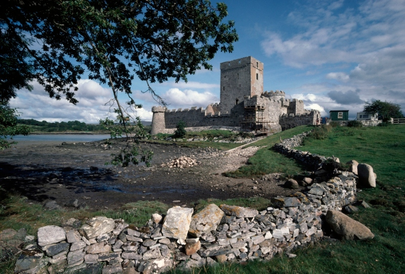 Doe Castle, near Creeslough, County Donegal, Ireland.