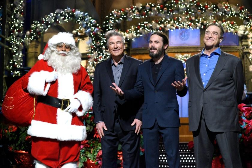 Kenan Thompson as Black Santa Claus, Alec Baldwin, host Casey Affleck, and John Goodman during the monologue on December 17, 2016 (Will Heath/NBC/NBCU Photo Bank via Getty Images)