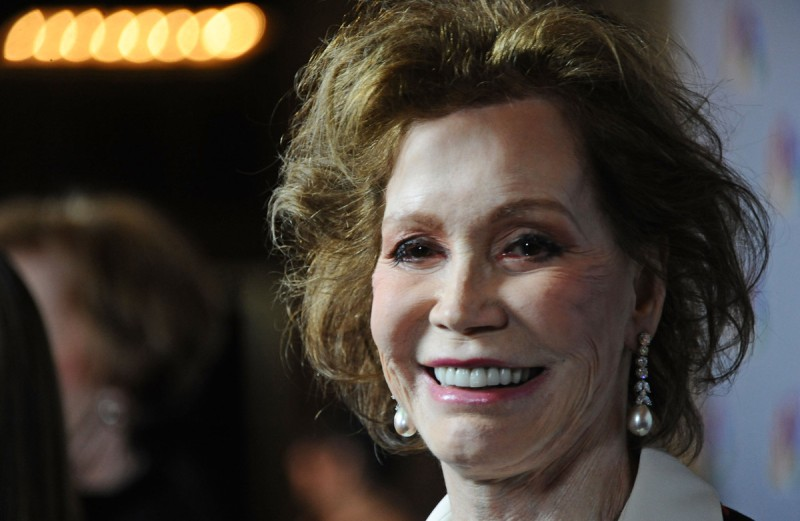 Actress Mary Tyler Moore attends NBC's taping of 'Betty White's 90th Birthday: A Tribute to America's Golden Girl' at Millennium Biltmore Hotel in 2012 (Angela Weiss/Getty Images)