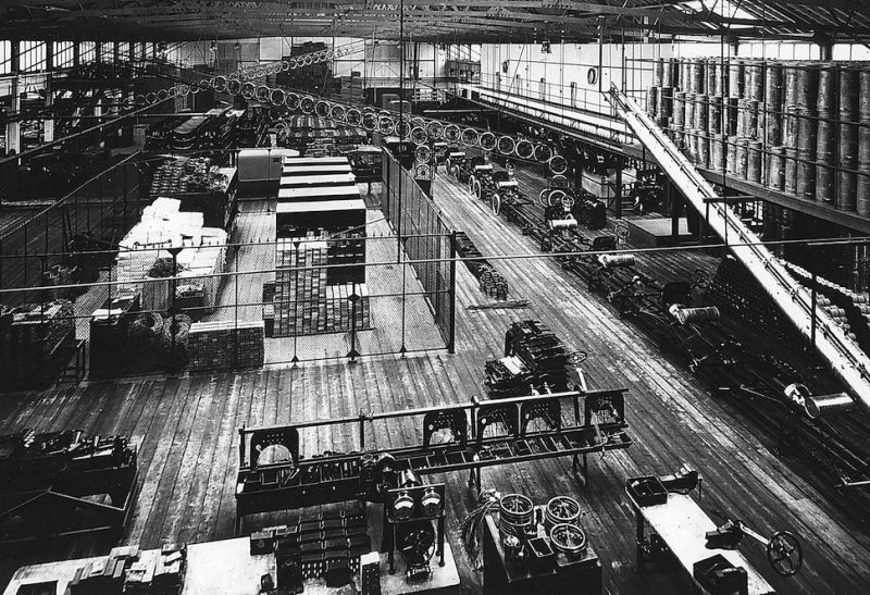 Part of the production line at Ford's Highland Park factory, Detroit, Michigan, USA, c1914. The factory, 4.5 miles from the centre of Detroit was the first to make use of assembly-line techniques, in the production of Henry Ford's famous Model T. Designed by Albert Kahn, the plant opened in 1910. (Photo by Oxford Science Archive/Print Collector/Getty Images)