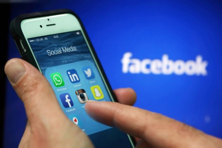 Social media apps including WhattsApp, LinkedIn, Twitter, FaceBook, Instagram, SnapChat and Periscope (Chris Ratcliffe/Bloomberg)