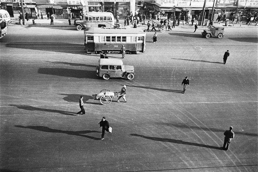 Daily life in Seoul, Korea during 1956-63. (Han Youngsoo Foundation)